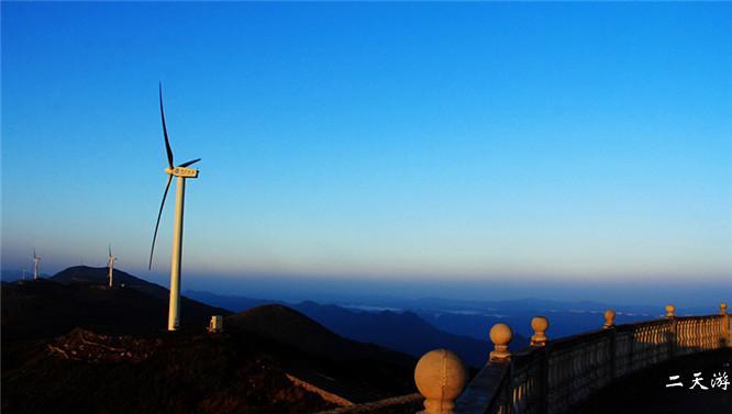 齐岳山草原风景区