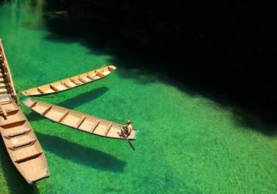 湖北鹤峰屏山峡谷上当是怎么回事?