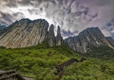想去恩施大峡谷玩,有没有恩施旅游攻略?恩施还有哪些值得去的地方?