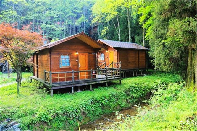 坪坝营森林木屋