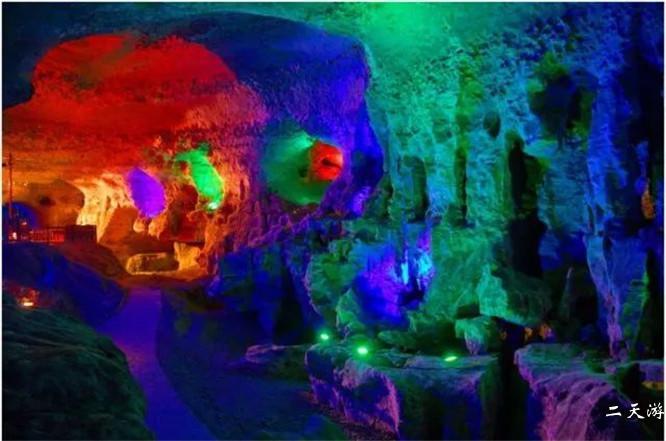 天下奇观——咸丰黄金洞风景区旅游攻略