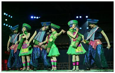 利川腾龙洞一日游(少数民族表演+激光秀+火车站城区免费接送)